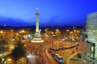 Colonne et opéra, Place de la Bastille, Paris, France