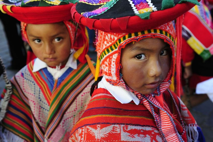 Enfants en costume traditionnel, Cuzco, Pérou
