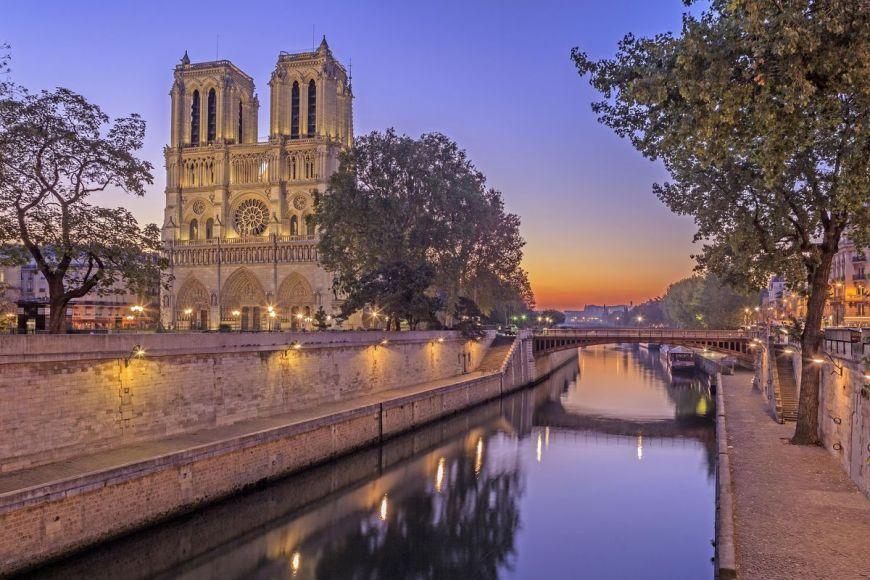 Pont et Cathédrale de Notre Dame, Paris, France